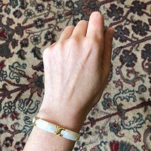 🔥 Vintage Gold Tone Faux Mother-of-Pearl Bracelet